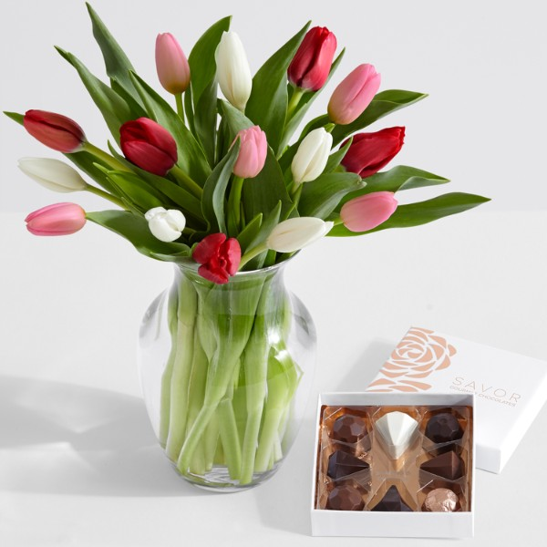 15 Sweetheart Tulips with Glass Ginger Vase and Chocolates - Image 1 Of 3