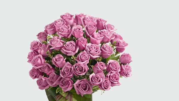 Sensational Luxury Rose Bouquet - 24-inch Premium Long-Stemmed Roses - Image 3 Of 3