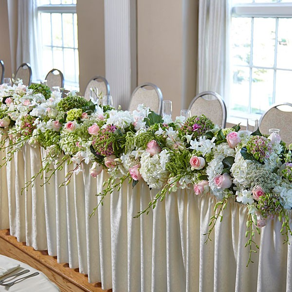 State of Bliss™ Head Table Arrangement