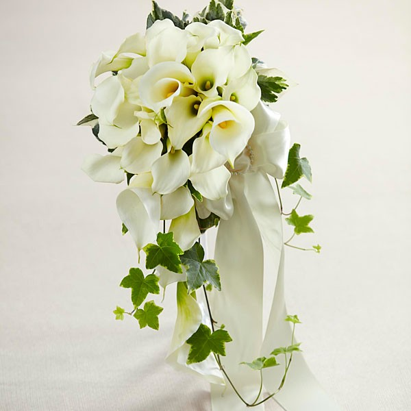 White Chapel™ Bouquet
