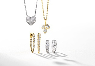 Necklaces Collection And Classic Diamond Jewelry