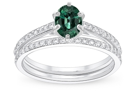 Ring With Green Sapphire Gemstone