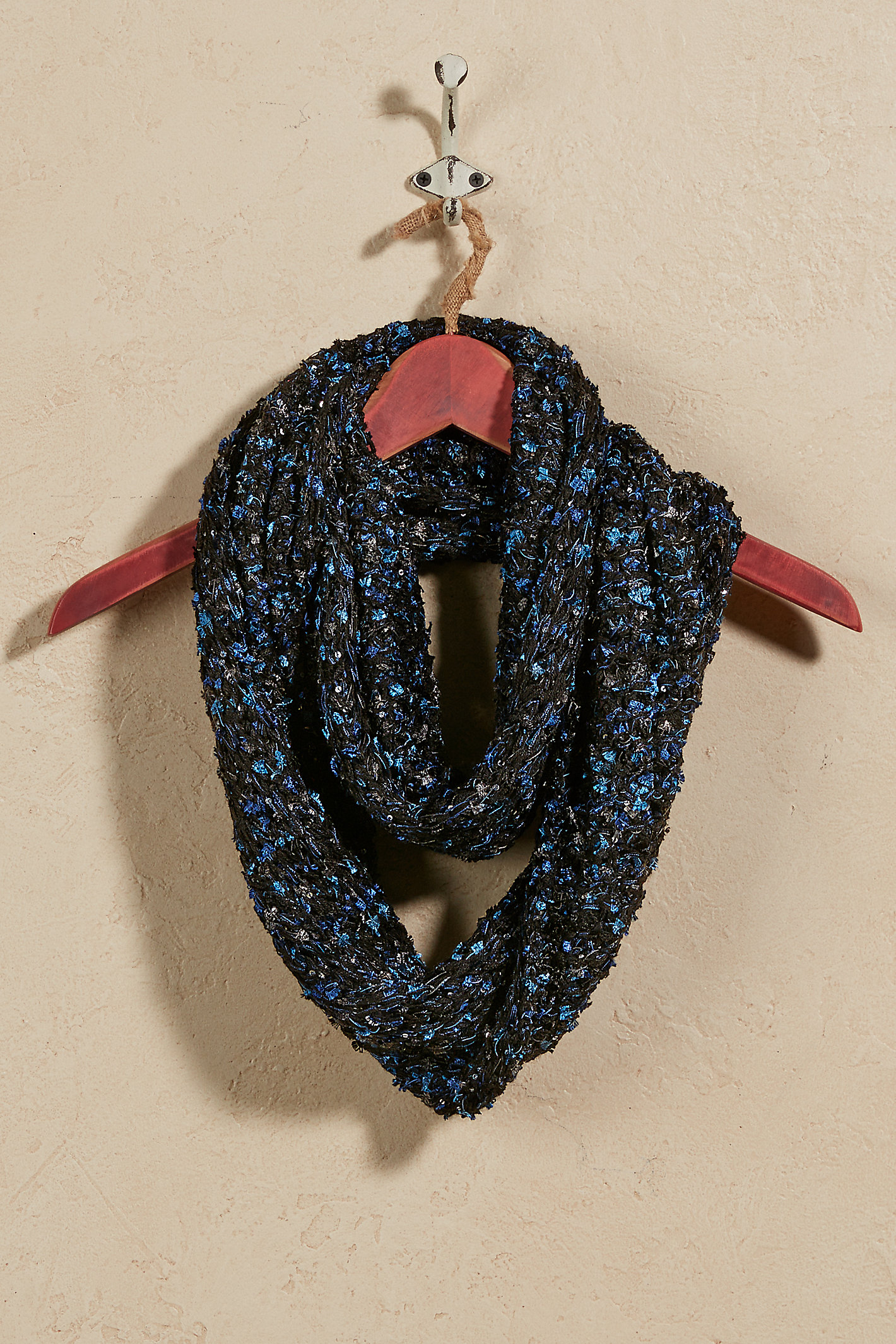 SOFT SHIMMER INFINITY SCARF
