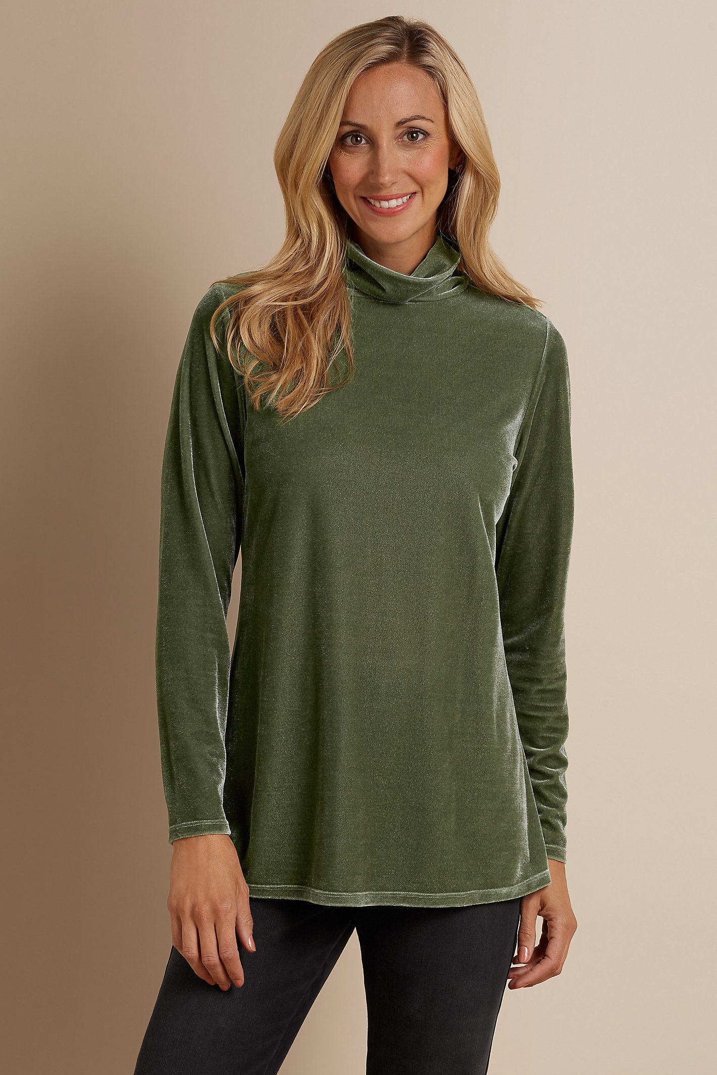 STRETCH VELVET TURTLENECK