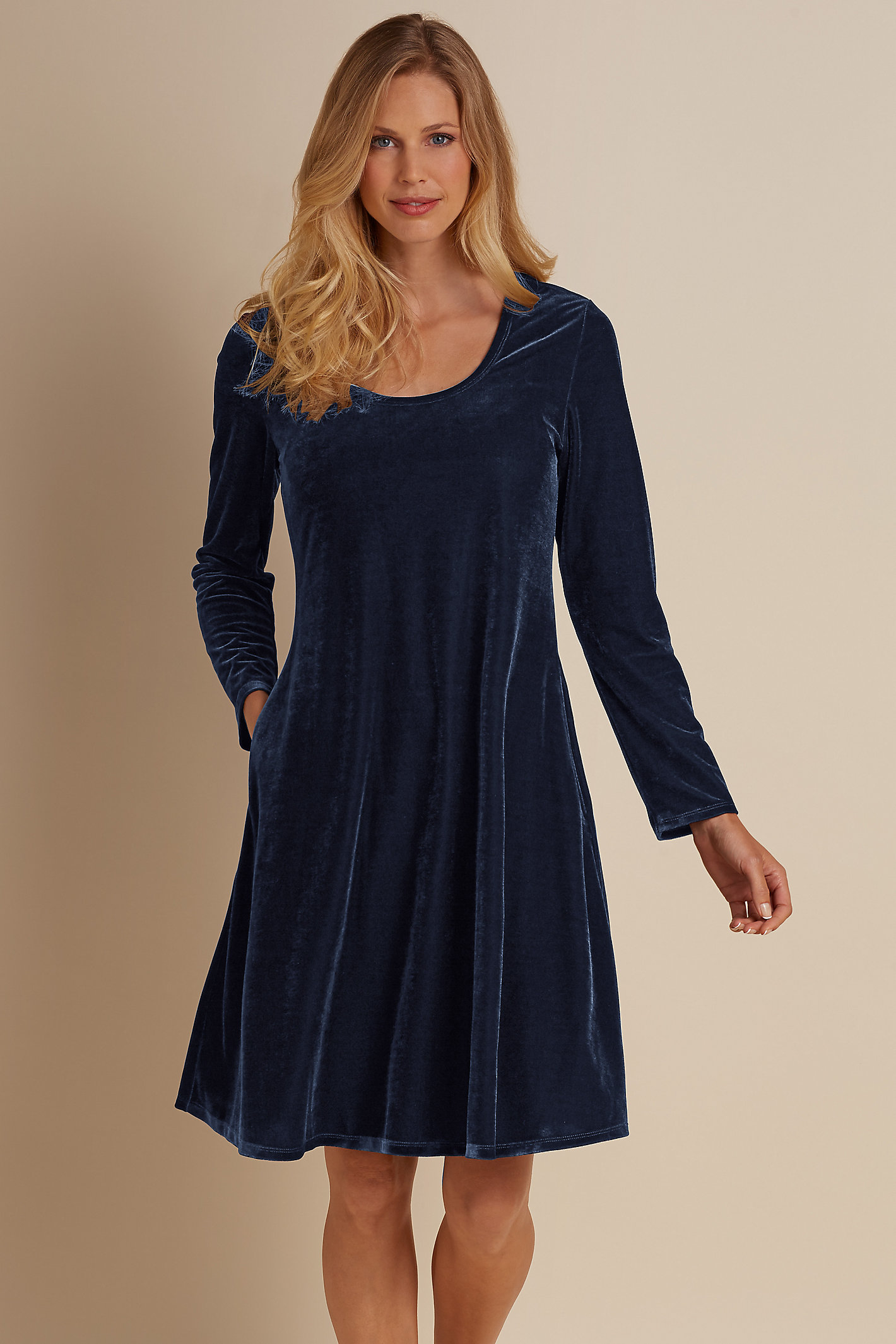 Women Short Santiago Stretch Velvet Dress