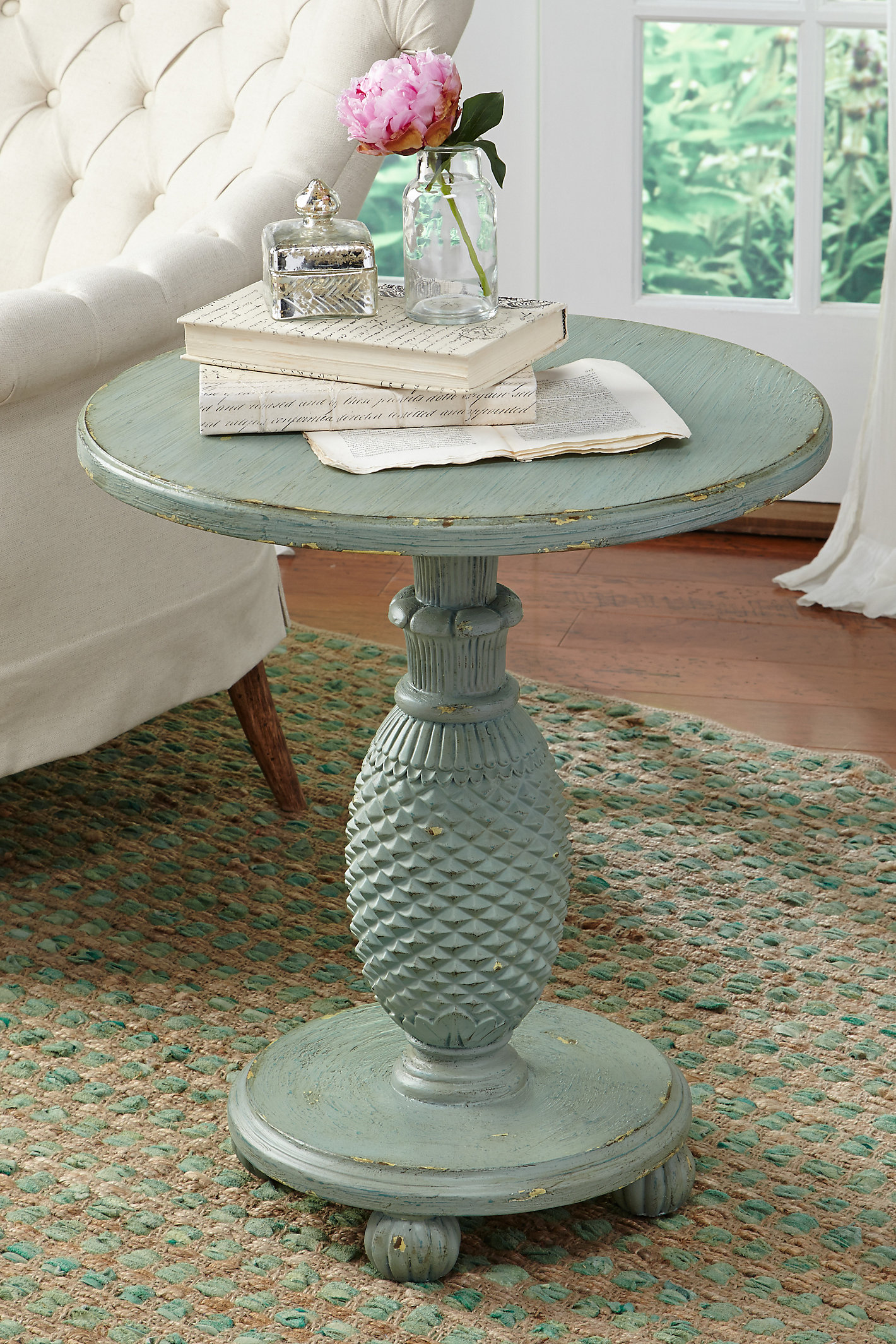 St. Kitts Table