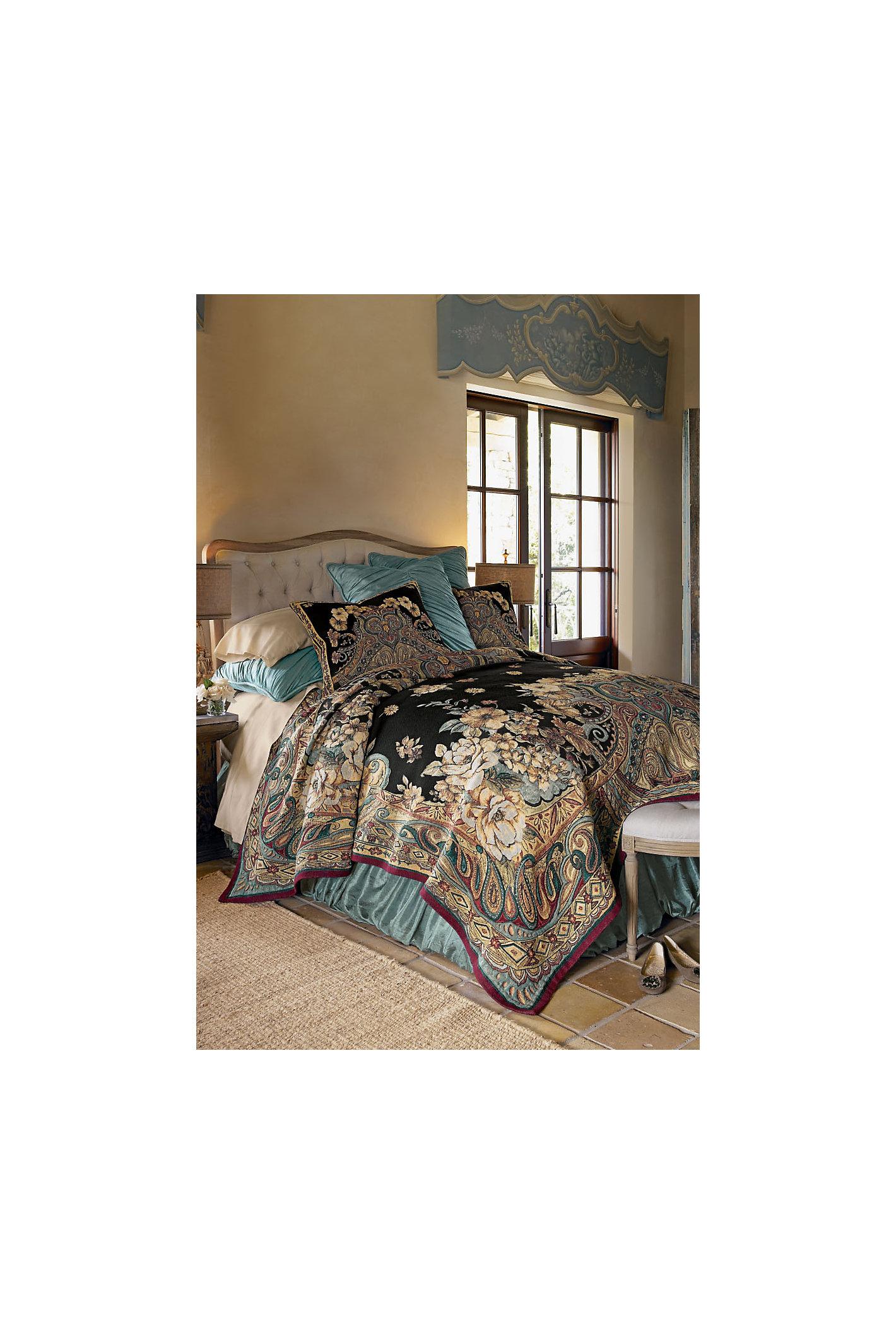Ariya Tapestry Coverlet