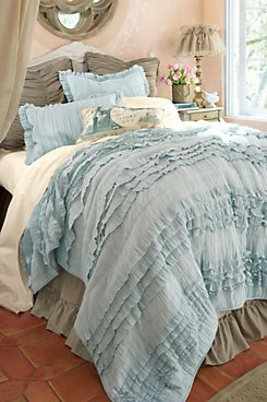 Paige Ruffle Quilt
