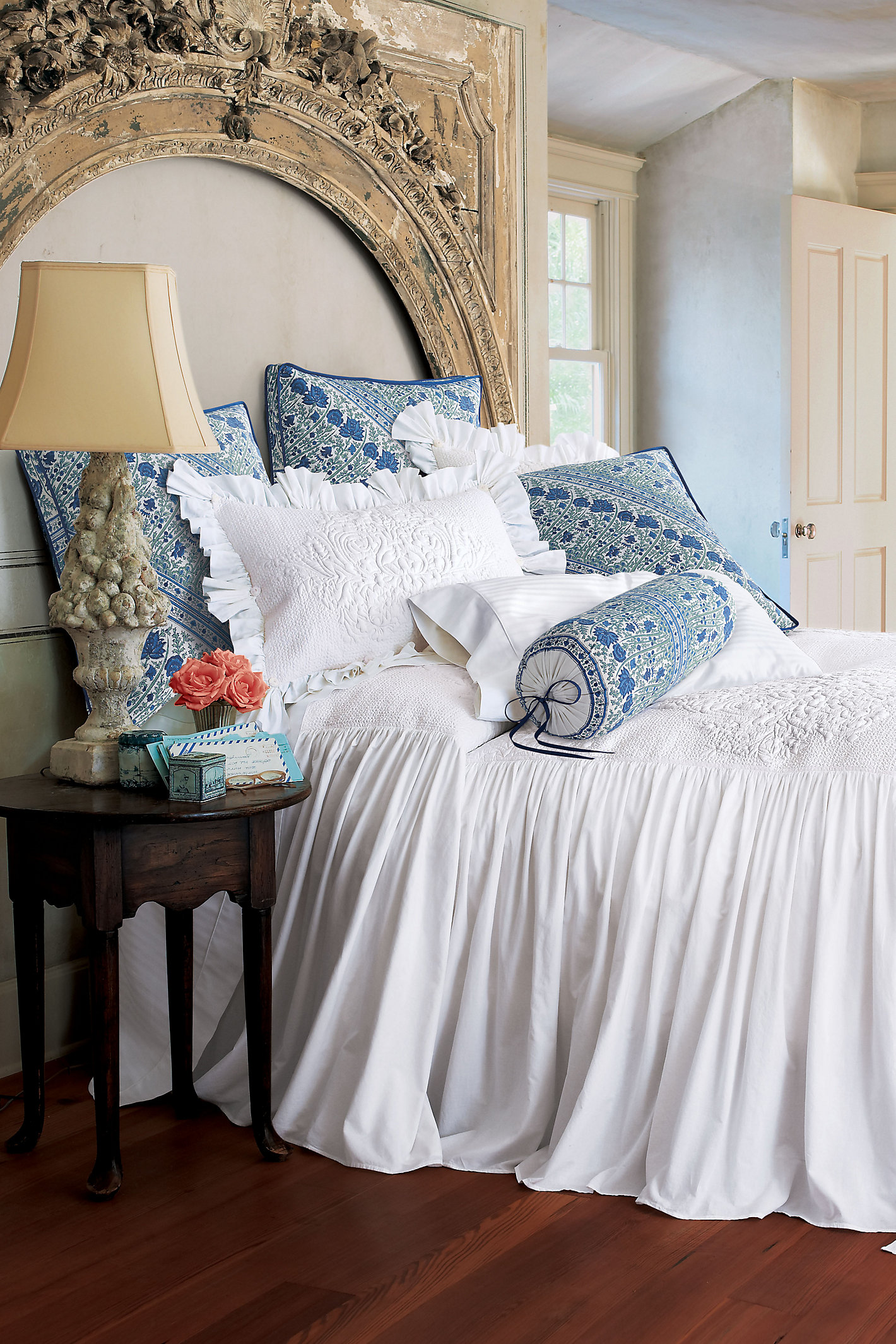 Santorini Skirted Coverlet