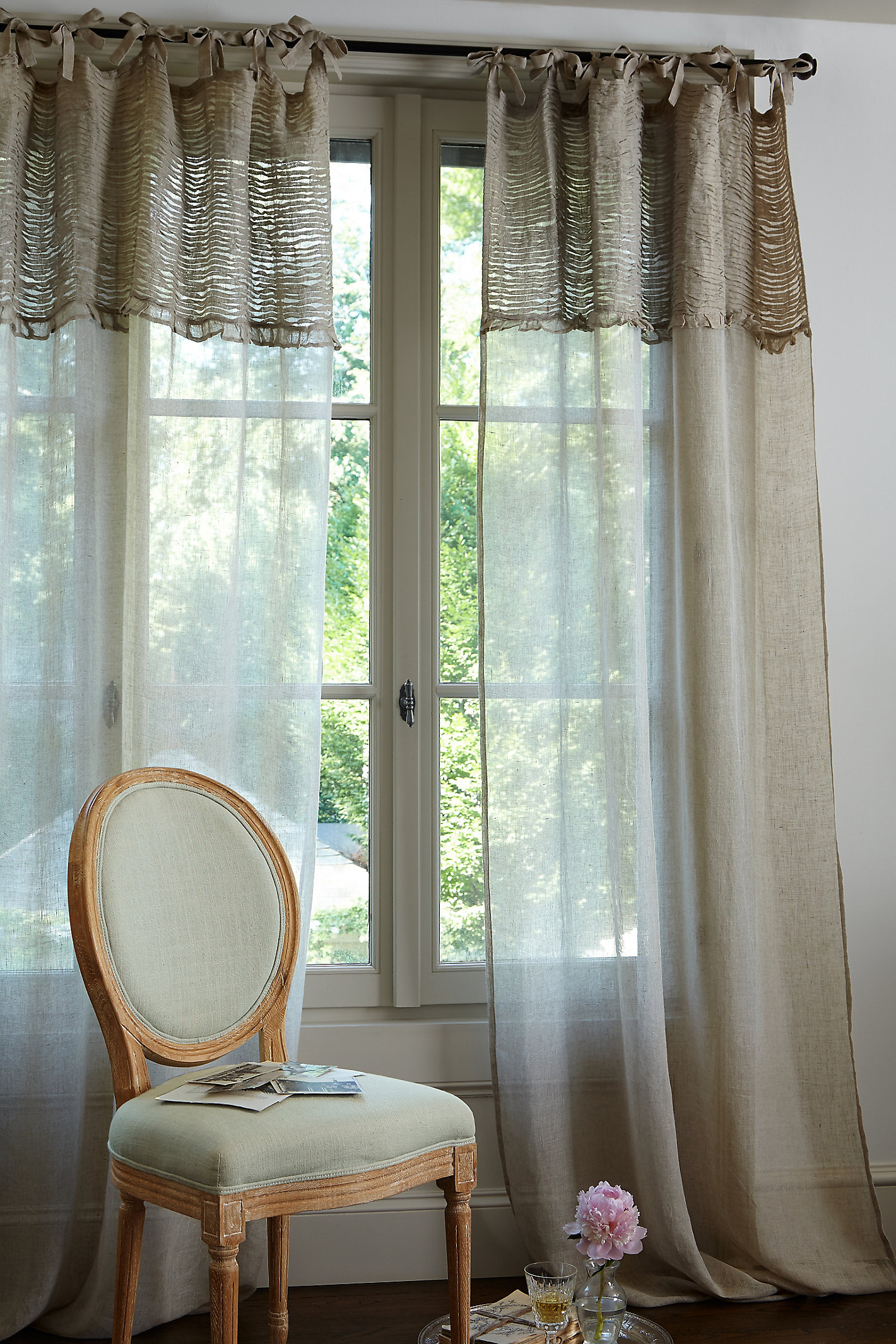 RUCHED LINEN PANEL