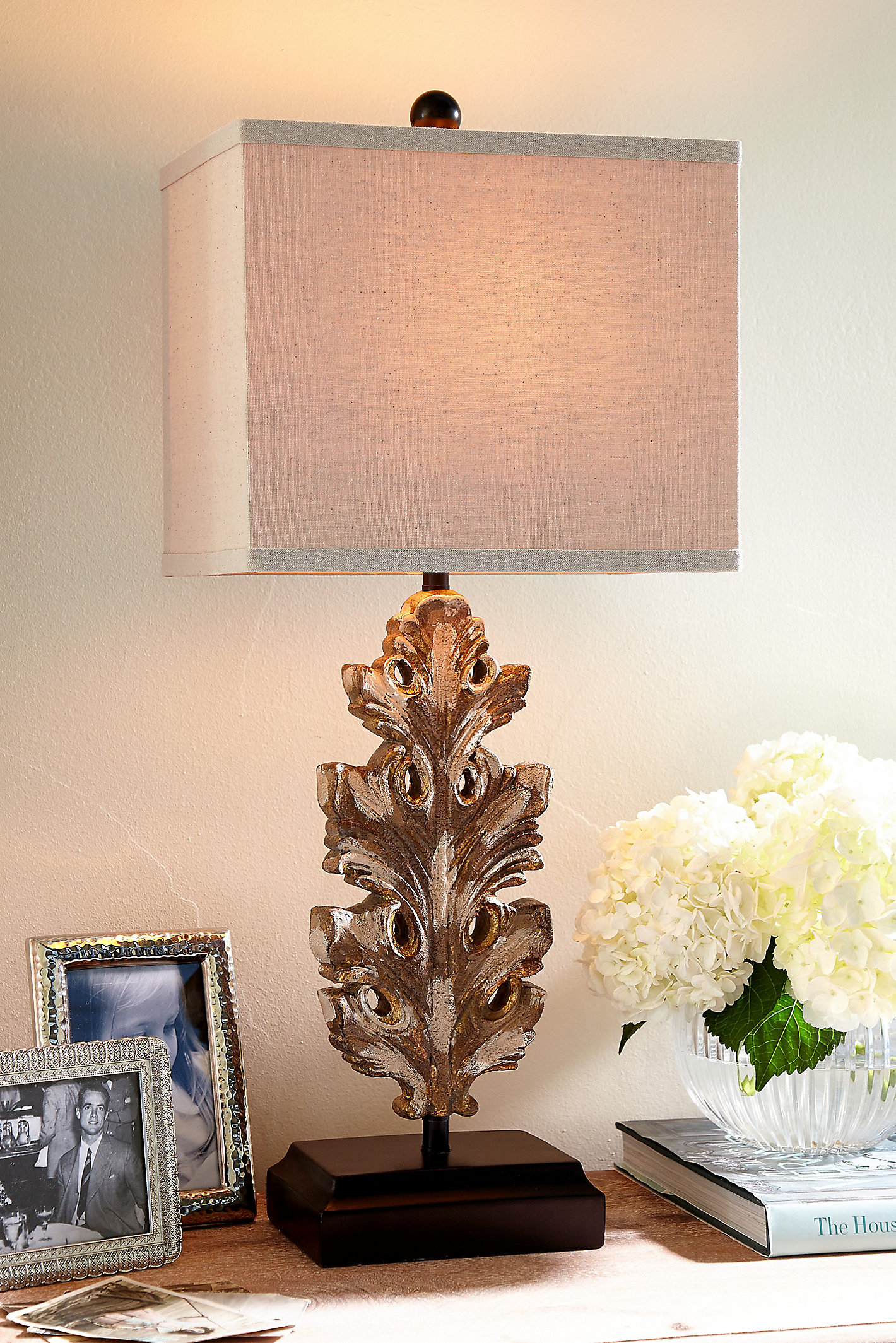 Acanthe Table Lamp