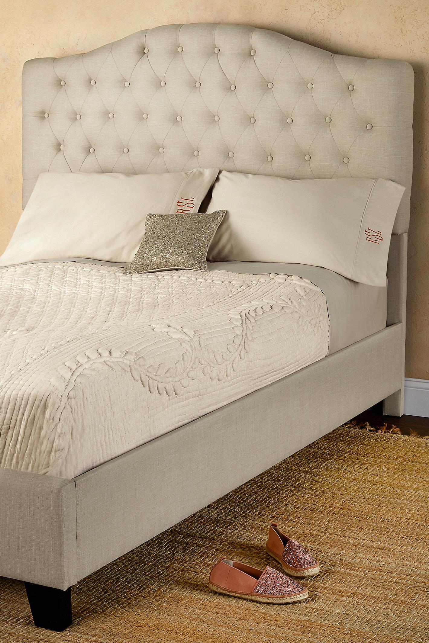 LINDELL UPHOLSTERED BED