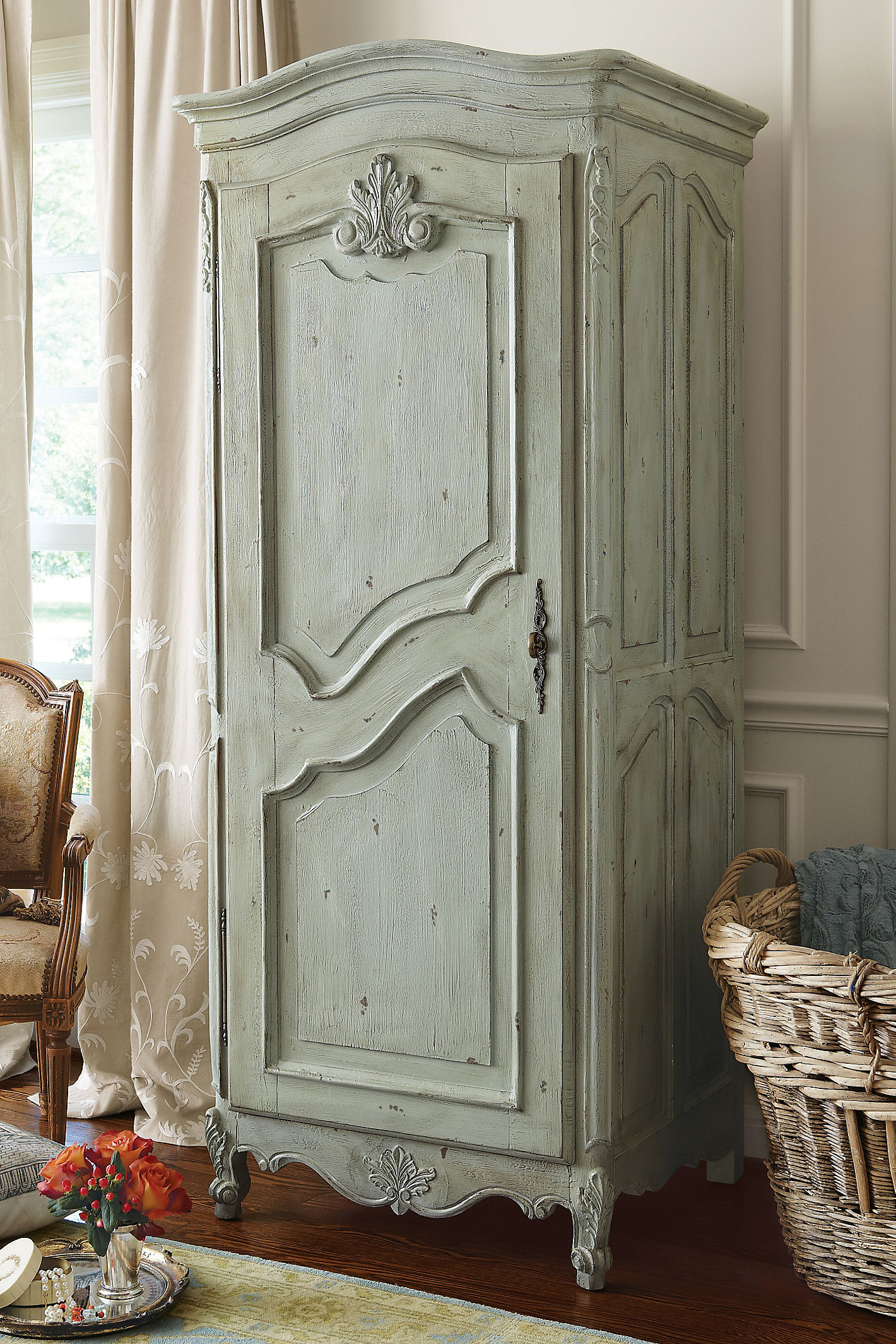 Fantine Linen Cabinet Wd Swtch