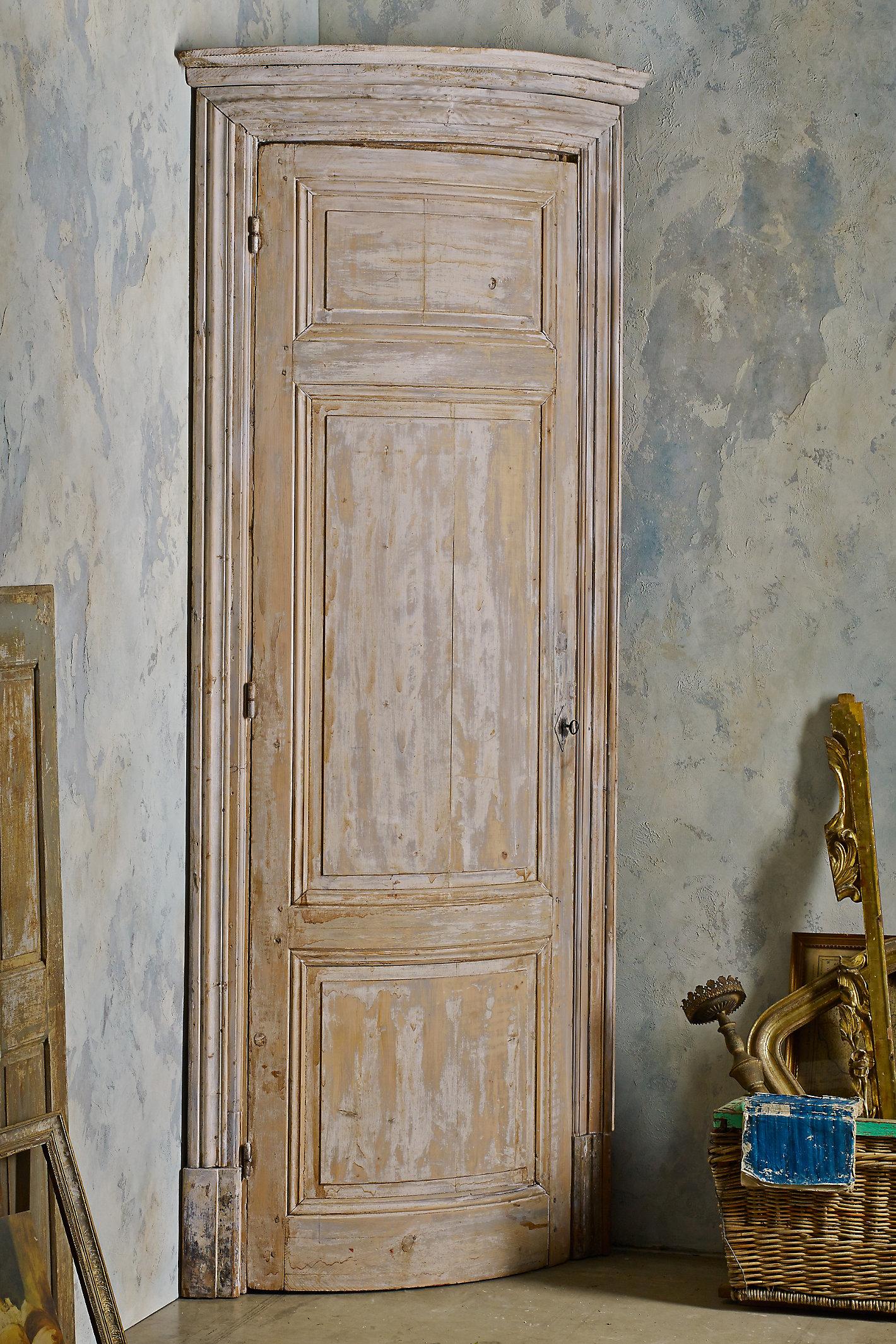 Greta Corner Cabinet