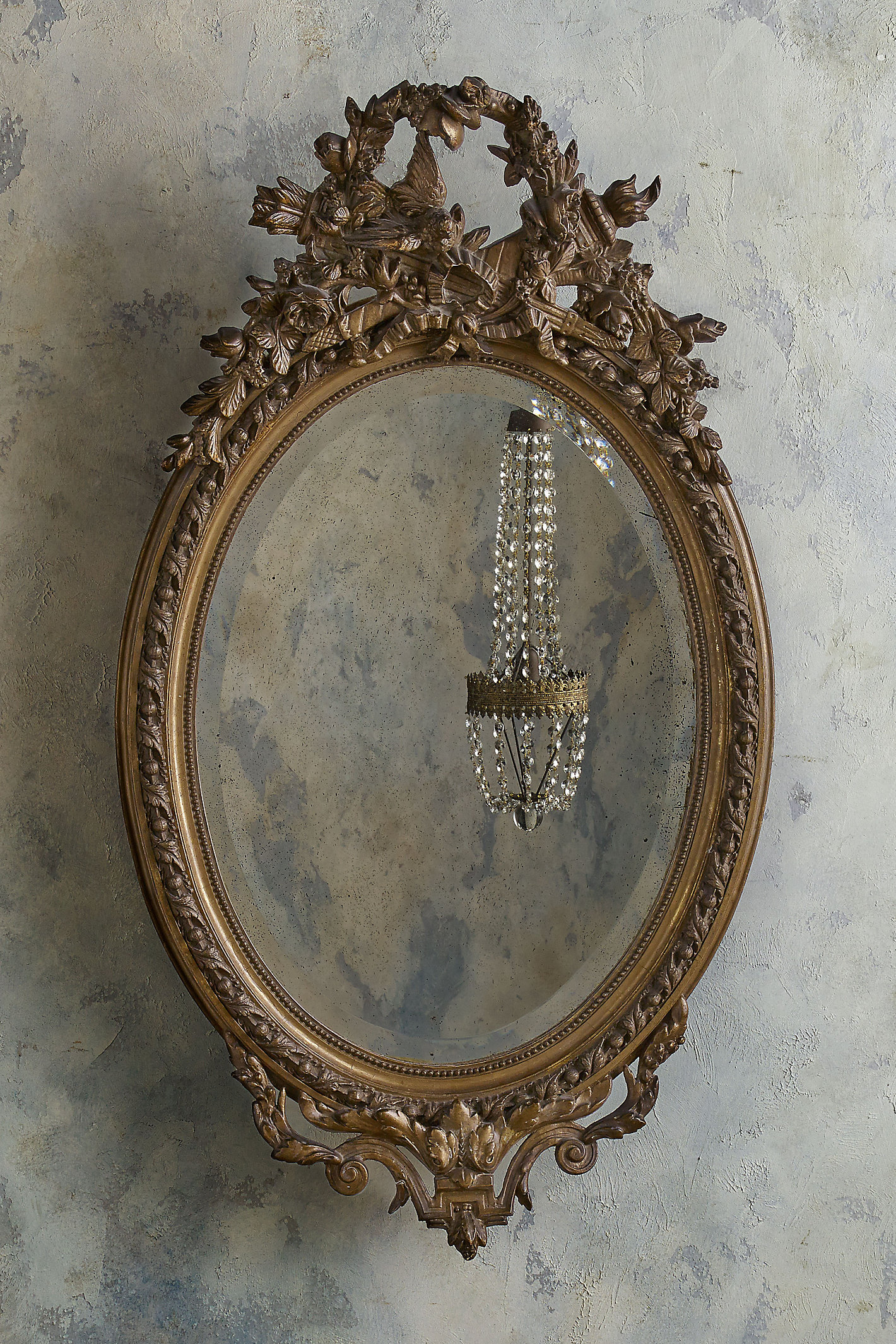 Grande Medallion Mirror