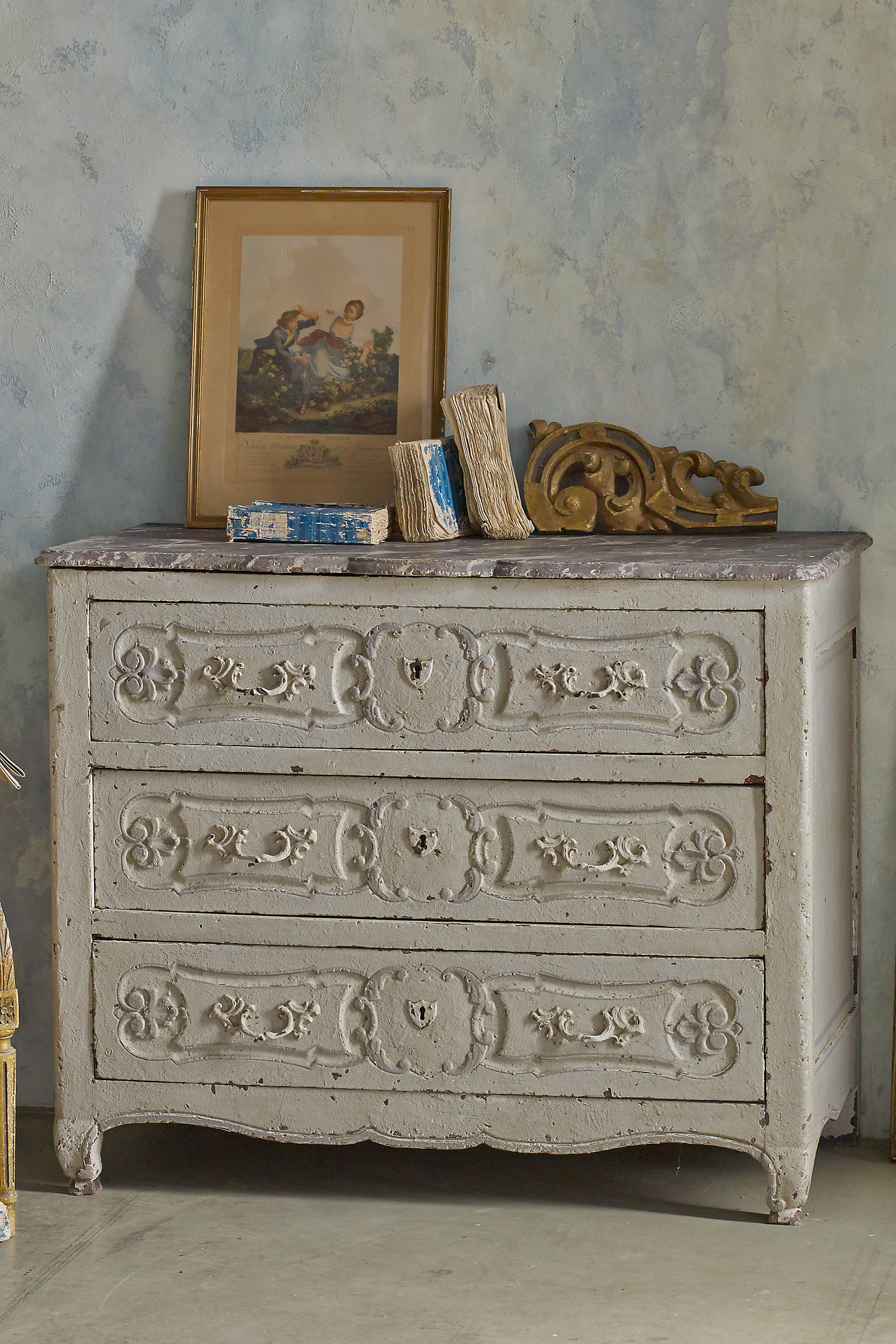 Grenoble Chest