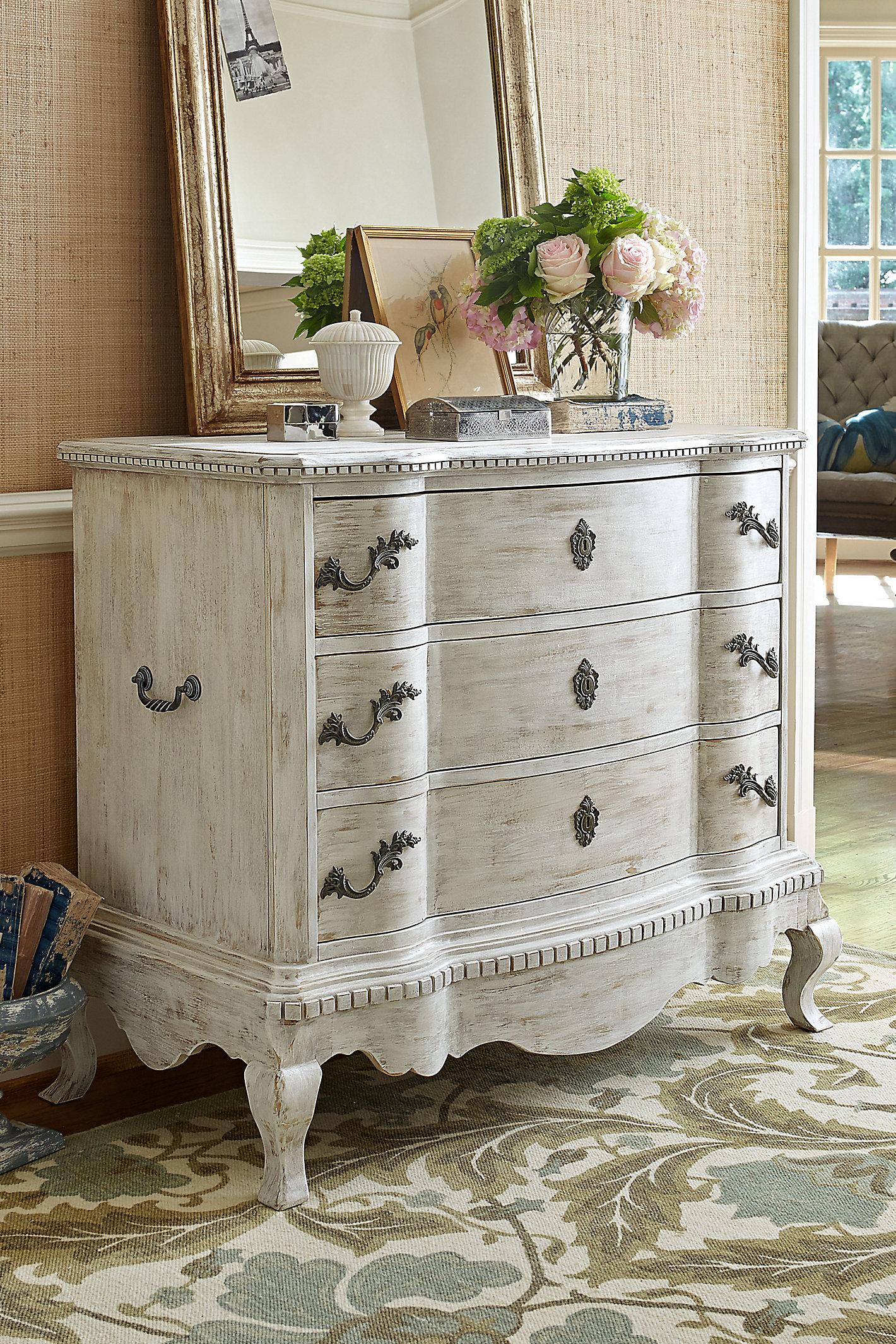 Serpentine Dresser Wood Swatch