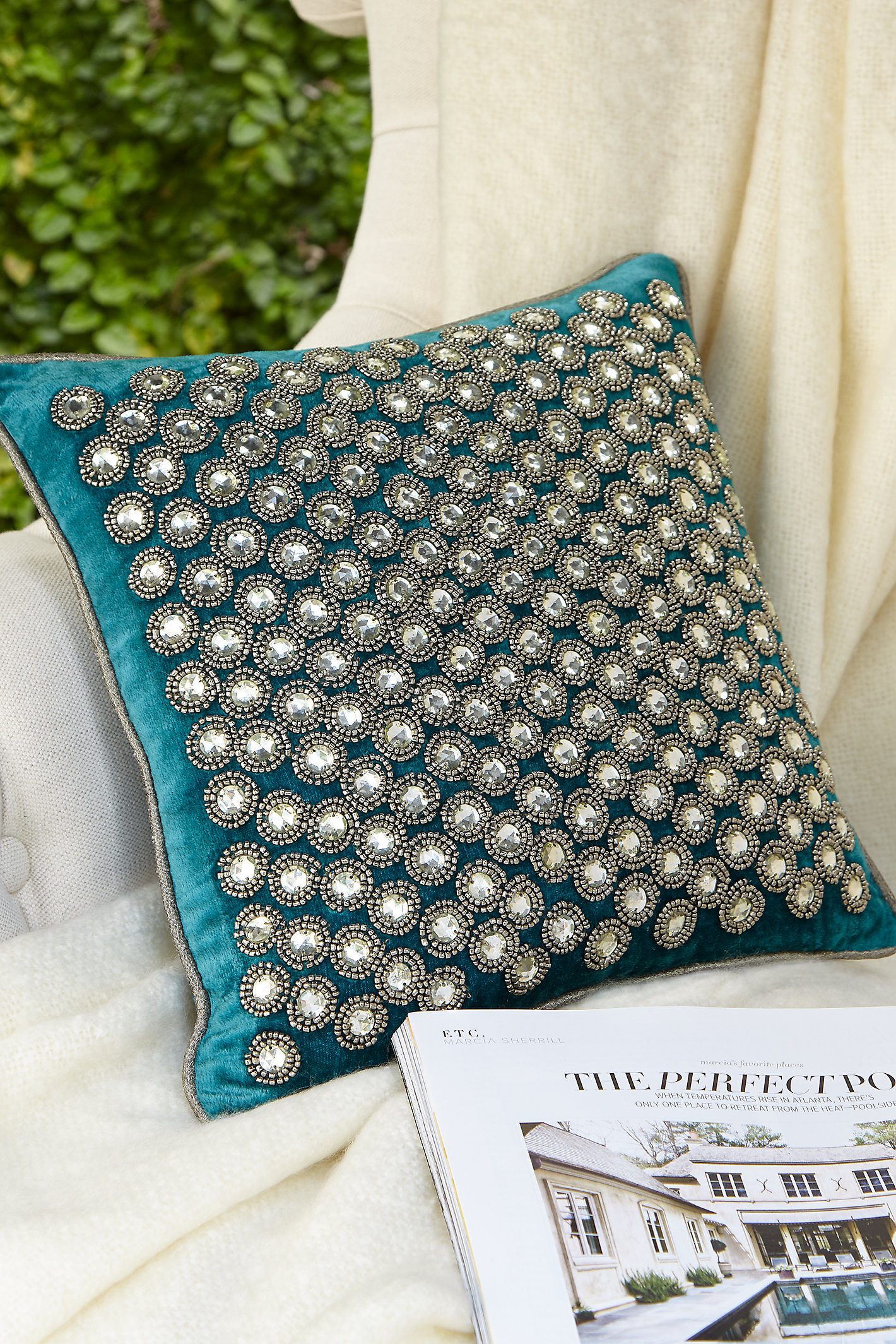 BLANCHE VELVET PILLOW