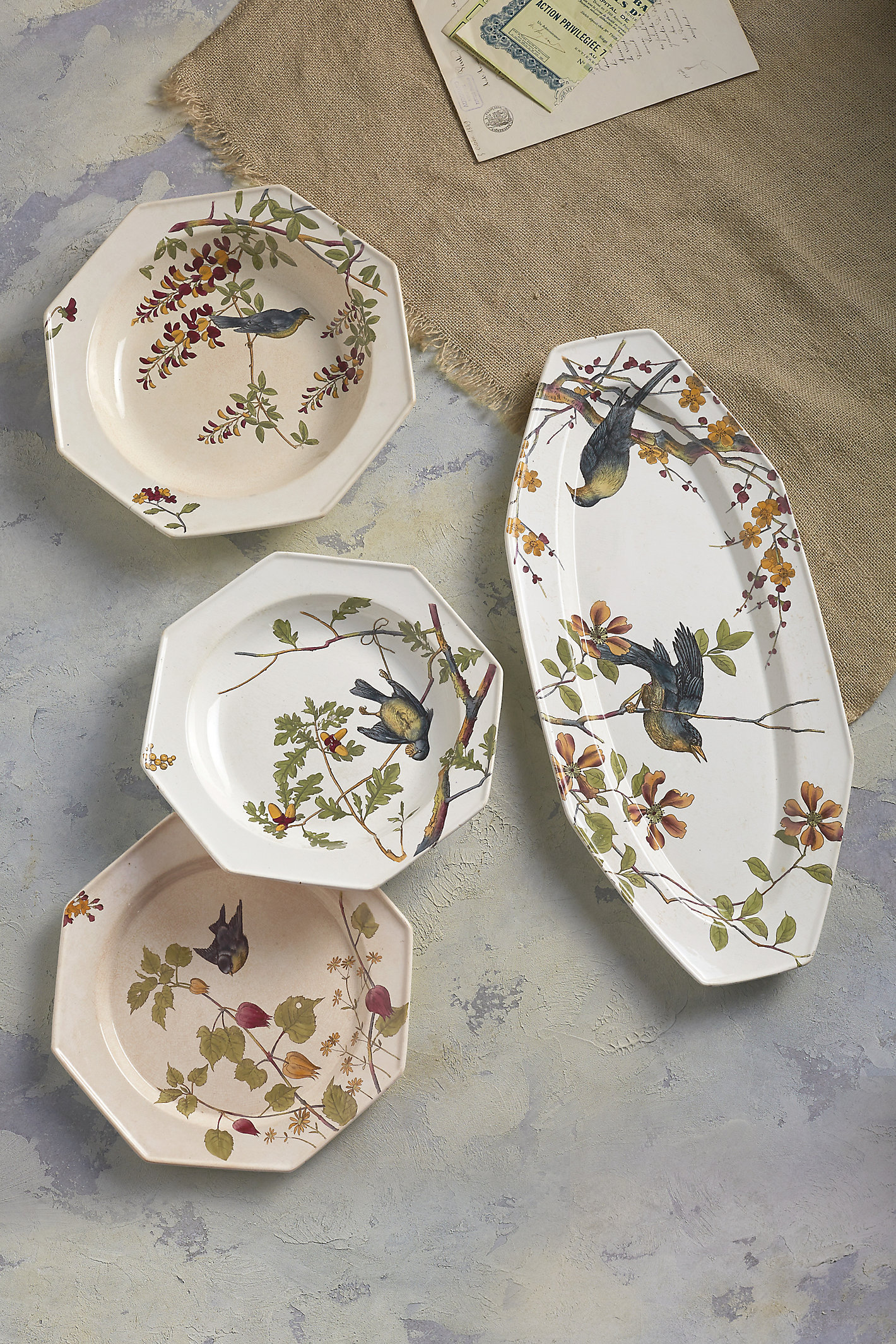 L'oiseau Four Piece China Set