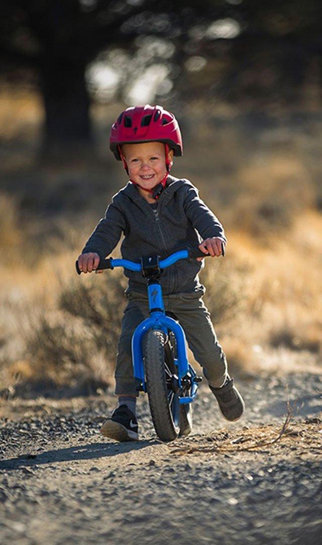BikesFamilyKidsHotwalkLink
