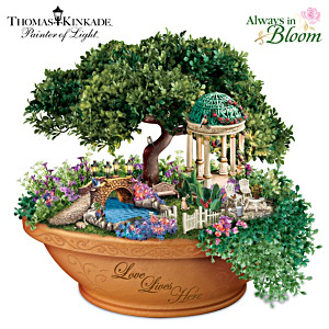 "Thomas Kinkade ""Love Lives Here"" Illuminated Centrepiece"