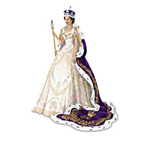 Figurines: Most Memorable Ensembles Of Queen Elizabeth II