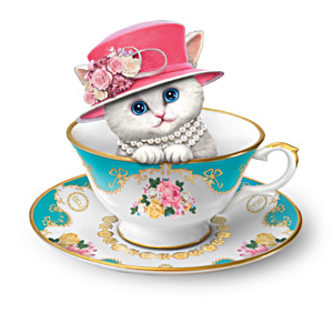 Queen Elizabeth II-Inspired Cats In Hats Figurine Collection