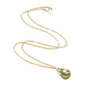 Green Mother Of Pearl Pendant Necklace With Celtic Knot