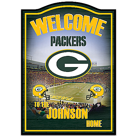 Photo of NFL Green Bay Packers Personalized Welcome Sign Wall Decor by The Bradford Exchange Online