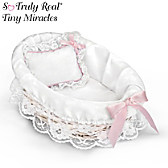 Wicker Bassinet With White Liner/Pillow
