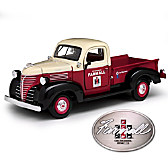 1:24-Scale IH Farmall 1941 Plymouth Diecast Truck