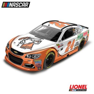 1:24-Scale Chase Elliott Little Caesars 2017 Diecast Car by