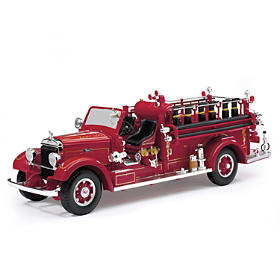 1:24-Scale 1935 Mack Type 75BX Fire Engine Diecast Truck