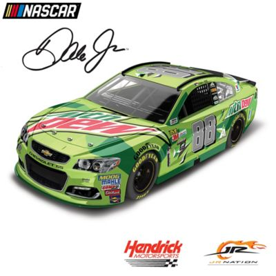 1:24-Scale Dale Jr. No. 88 Mountain Dew 2017 Diecast Car by