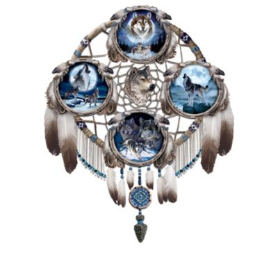 Glow-In-The-Dark Native American-Style Wolf Plate Collection by