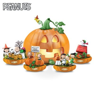 PEANUTS It's The Great Pumpkin Lighted Sculpture Collection by