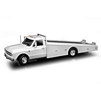 1:18-Scale 1967 Chevrolet C-30 Diecast Ramp Truck