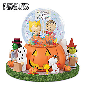 """It's The Great Pumpkin"" PEANUTS Rotating Musical Sculpture"