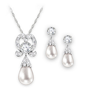 """""""Royal Lovers Knot"""" Simulated Pearl Necklace & Earrings Set"""