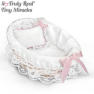 Wicker Bassinet With White Liner And Pillow