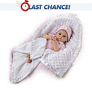 White Minky Blanket: For Dolls Up To 22 Inches