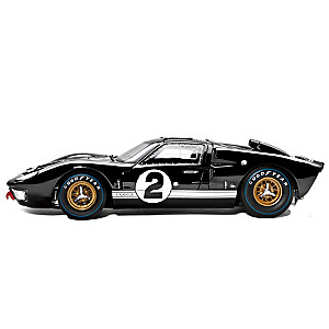 1:18-Scale 1966 Ford GT-40 Diecast Replica Car: Black