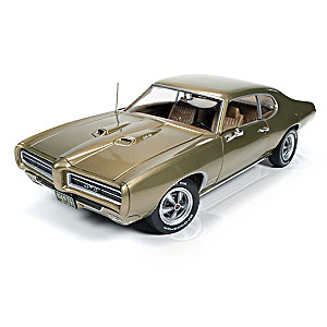 1:18-Scale 1969 Pontiac GTO Diecast Car