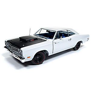 1:18-Scale 1969.5 Plymouth Road Runner Diecast Car
