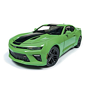 "1:18-Scale ""It's Krypton Green"" 2017 Camaro SS Diecast Car"