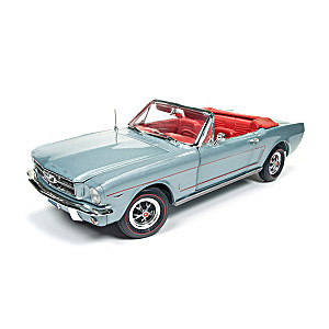 1:18-Scale 1965 Ford Mustang Convertible Diecast Car