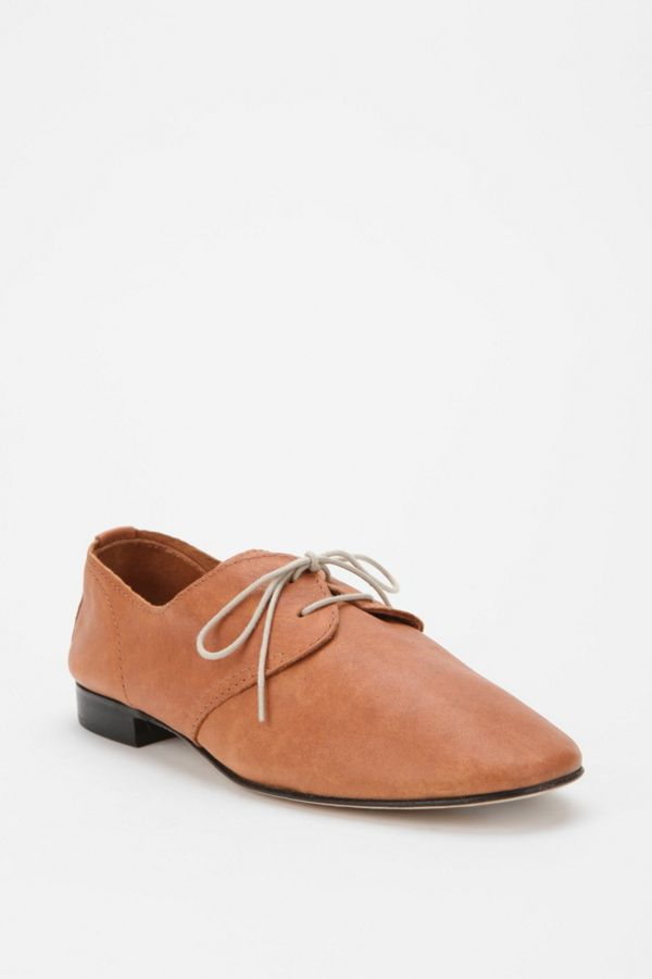 quality design a72b8 63c78 Anniel Leather Lace-Up Oxford | Urban Outfitters Canada