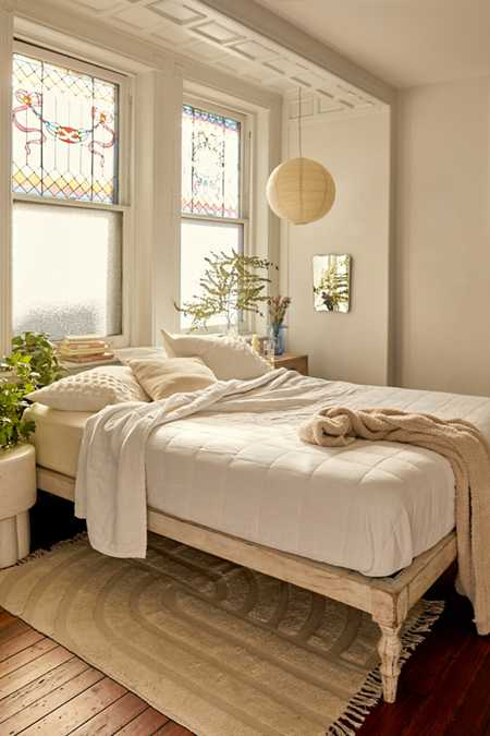 Modern Bed Kopen.Bed Frames Headboards Urban Outfitters