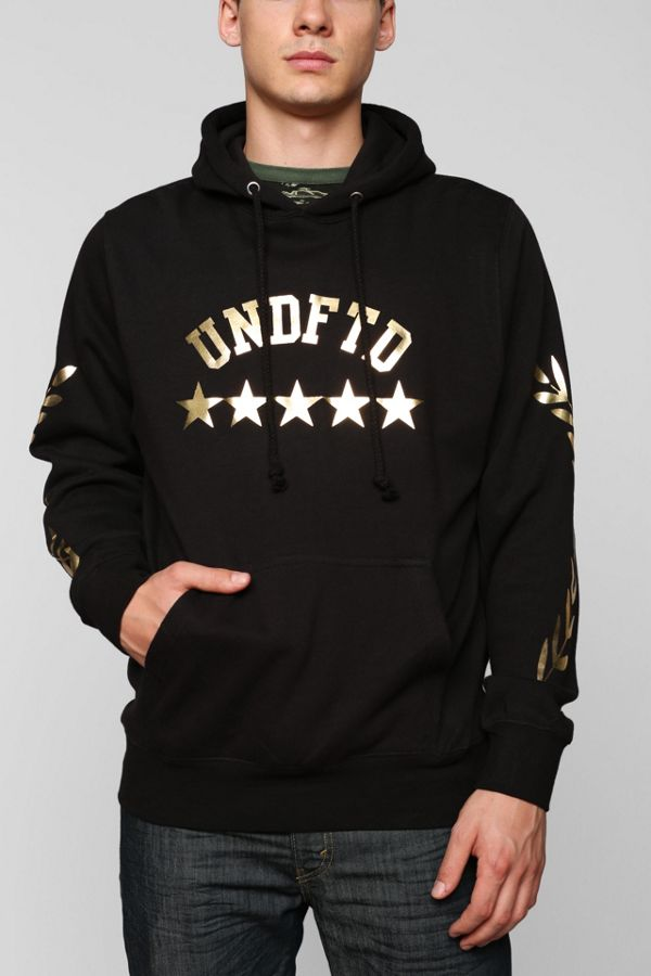 f339f232 Undefeated Boss Pullover Hoodie Sweatshirt | Urban Outfitters Canada