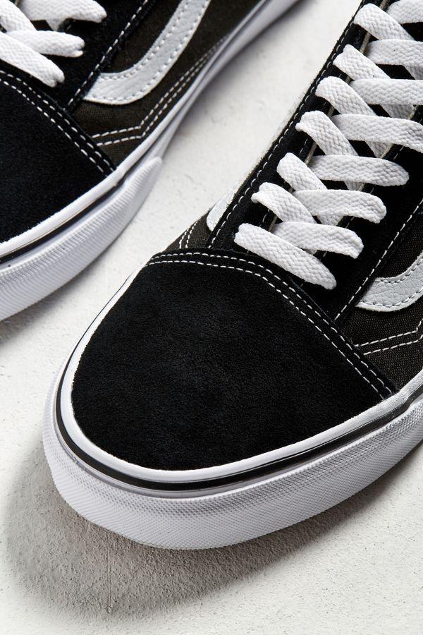 bf81e1ed6f0 Slide View  3  Vans Old Skool Sneaker